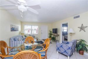 #120 At Surf Song Resort, Apartmány  St Pete Beach - big - 7