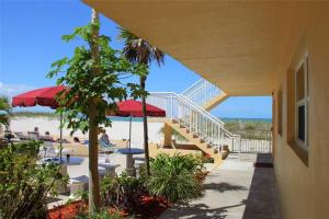 #120 At Surf Song Resort, Apartmány  St Pete Beach - big - 20