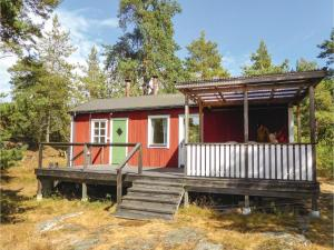 Four Bedroom Holiday Home in Trosa