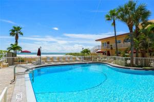#224 At Surf Song Resort, Apartments  St Pete Beach - big - 18