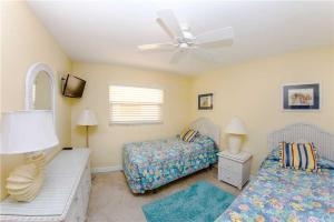 #224 At Surf Song Resort, Apartments  St Pete Beach - big - 19