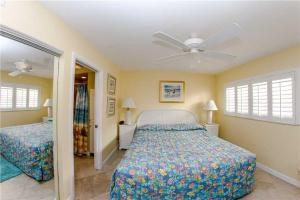 #224 At Surf Song Resort, Apartments  St Pete Beach - big - 20