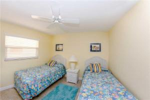 #224 At Surf Song Resort, Apartments  St Pete Beach - big - 3