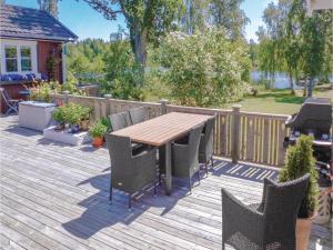 Three Bedroom Holiday Home in Djurhamn