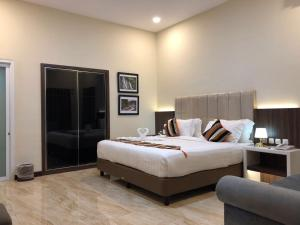 Grand Harvest Resort & Villas, Resort  Banyuwangi - big - 9