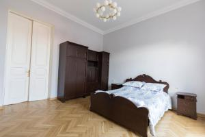 100 sq.m. eco house, Apartments  Tbilisi City - big - 7