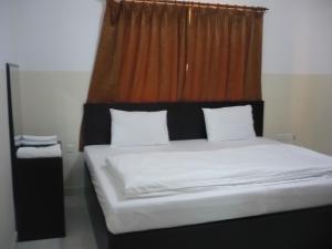 阿爾巴薩亭公寓式酒店 (Al Basateen Hotel Apartment)