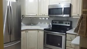 Dorchester Suites, Appartamenti  Kingston - big - 7