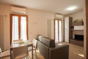 PiazzaMercato Studios, Apartments  Olbia - big - 23
