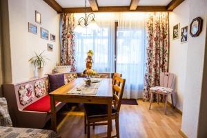 Haus Frank Apartment nr 7 by Moni-care, Apartmány  Seefeld in Tirol - big - 1