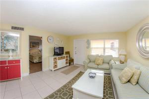 #225 At Surf Song Resort, Apartmány  St Pete Beach - big - 20