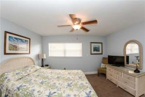 #225 At Surf Song Resort, Apartmány  St Pete Beach - big - 5