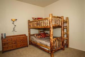 1625- Bear Feet Chalet, Prázdninové domy  Big Bear Lake - big - 17