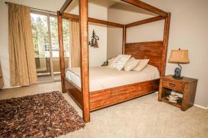 1625- Bear Feet Chalet, Prázdninové domy  Big Bear Lake - big - 16