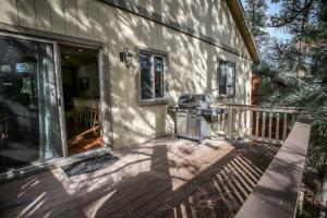 1625- Bear Feet Chalet, Prázdninové domy  Big Bear Lake - big - 15