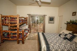 1625- Bear Feet Chalet, Prázdninové domy  Big Bear Lake - big - 7