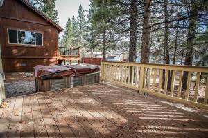 1625- Bear Feet Chalet, Prázdninové domy  Big Bear Lake - big - 4