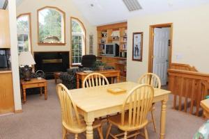 Stowe-Aways Home, Prázdninové domy  Corolla - big - 4