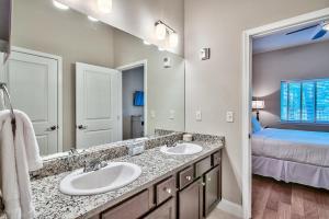 Alerio B103 Condo, Apartments  Destin - big - 4