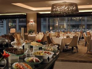 Joy~Nostalg Hotel & Suites Manila Managed by AccorHotels, Apartmanhotelek  Manila - big - 14