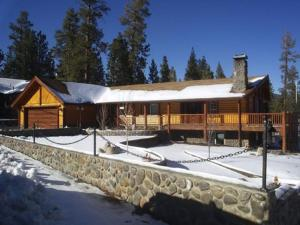 010 Jaegerhaus-Hunter's House Home, Holiday homes  Big Bear Lake - big - 13