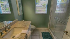Lee Ave Home 17820, Holiday homes  St Pete Beach - big - 87