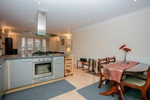 obrázek - 2 Bedroom Apartment in Putney with Balcony