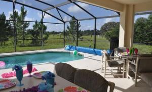 Grand Reserve House 937 Home, Holiday homes  Davenport - big - 32