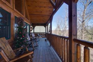 Magic Mountain Retreat, Holiday homes  Gatlinburg - big - 22