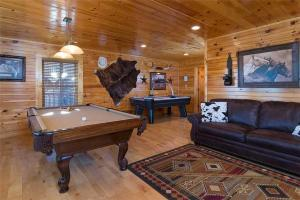 Magic Mountain Retreat, Holiday homes  Gatlinburg - big - 20