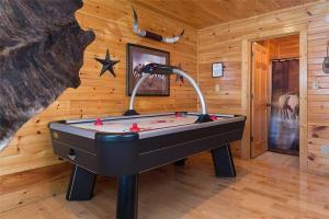 Magic Mountain Retreat, Holiday homes  Gatlinburg - big - 10