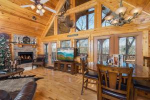 Magic Mountain Retreat, Holiday homes  Gatlinburg - big - 6