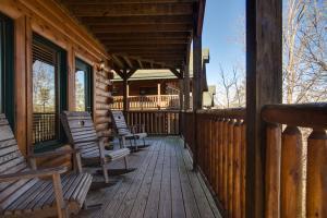 Magic Mountain Retreat, Holiday homes  Gatlinburg - big - 2