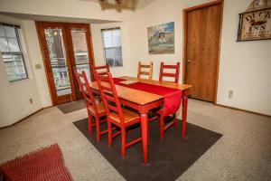 1621- Juniper Retreat, Ferienhäuser  Big Bear Lake - big - 17