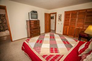 1621- Juniper Retreat, Ferienhäuser  Big Bear Lake - big - 16