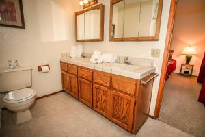 1621- Juniper Retreat, Holiday homes  Big Bear Lake - big - 13