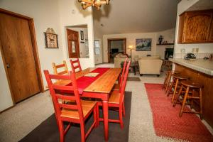 1621- Juniper Retreat, Ferienhäuser  Big Bear Lake - big - 23