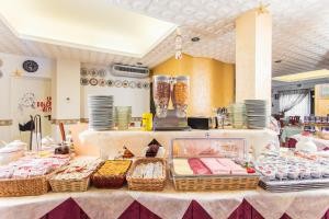 Hotel Dolcevita, Hotely  Cesenatico - big - 32