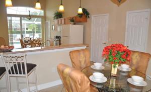 Shady Oak House 393 Home, Holiday homes  Davenport - big - 18