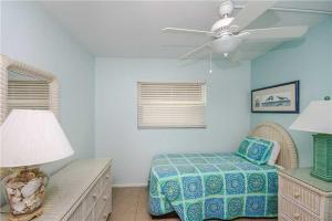#121 At Surf Song Resort, Apartments  St Pete Beach - big - 21