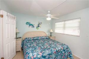 #121 At Surf Song Resort, Apartments  St Pete Beach - big - 14