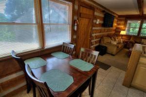 Krest-View Kabin Home, Case vacanze  Bryson City - big - 4