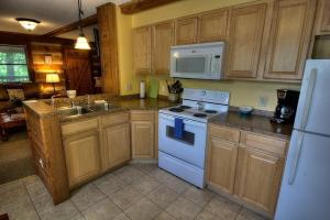 Krest-View Kabin Home, Case vacanze  Bryson City - big - 11