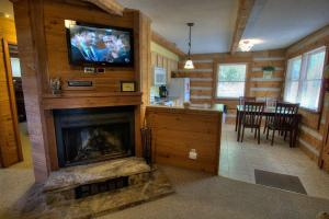 Krest-View Kabin Home, Case vacanze  Bryson City - big - 3