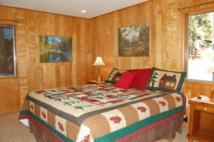 23 Arnett's Cabin, Holiday homes  Wawona - big - 19