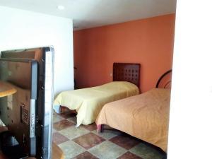MJ Habitaciones Puebla., Guest houses  Puebla - big - 2