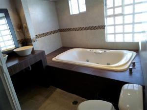 MJ Habitaciones Puebla., Guest houses  Puebla - big - 33