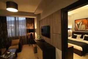 Queen's Hotel, Отели  Скопье - big - 16