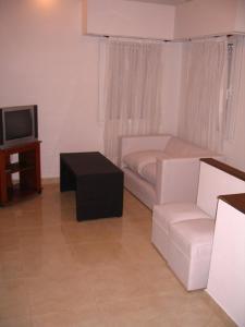 Departamentos El Pasaje, Ferienwohnungen  Balneario Claromecó - big - 11