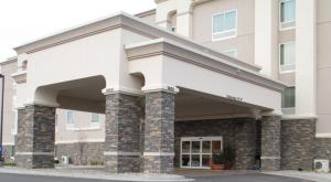 Nearby hotel : Hampton Inn & Suites Minot